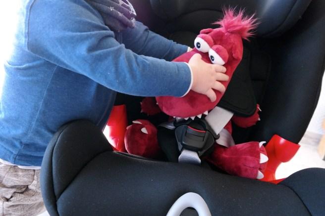 Britax Roemer Advansafix II SICT Kindersitz welchen Kindersitz kaufen Mamablog Lifestyleblog Missbonn(e)Bonn(e) 5 Punkt Gurt System Erfahrung von hinten