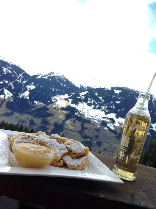 Missbbontour Reiseblog Reisen mit Kindern Blog Bonn Lifestyle Kurztrip Skifahren Zillertal Österreich Tirol Schlittenstadl