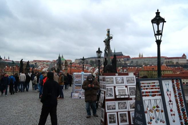 Prag Reiseblog Lifestyleblog Fashion Wochenende Ideen Tipps Empfehlungen Reisebericht Missbonnebonne Bauernmarkt Wochenmarkt Karlsbrücke