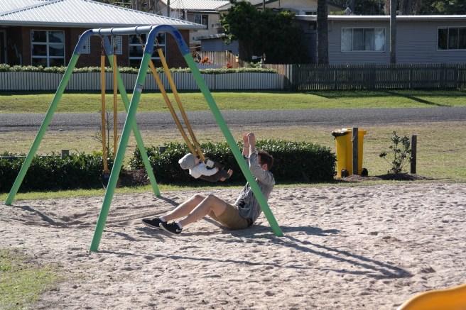 Ostküste Roadtrip Australien reisen mit Baby Kind Tipps Erfahrungen mit dem Auto Airlie Beach Hotel Strand Promenade conway bay