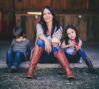 Mélanie Ménard et ses enfants