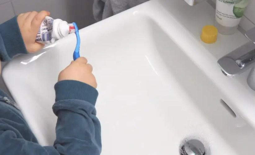 Zähneputzen mit Kindern stressfrei im Lavabo