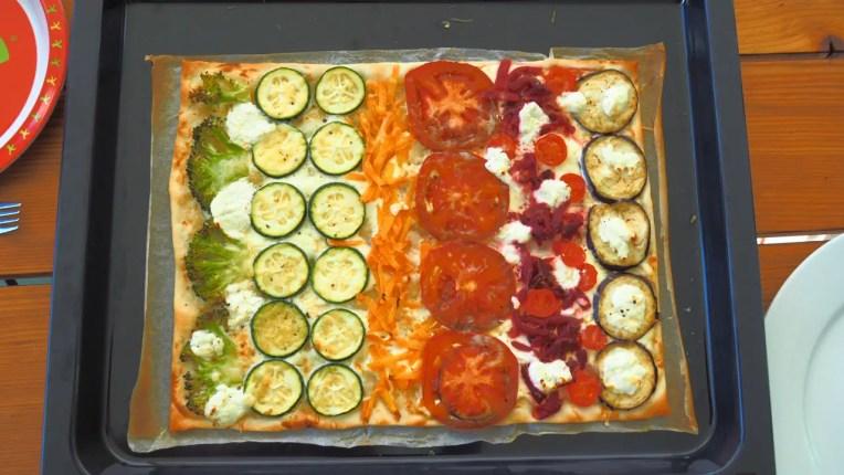 Flammkuchen, Regenbogen, mit Sommergemüse, rezept, rainbow, regenbogen, foodblog, farbig essen, gesund