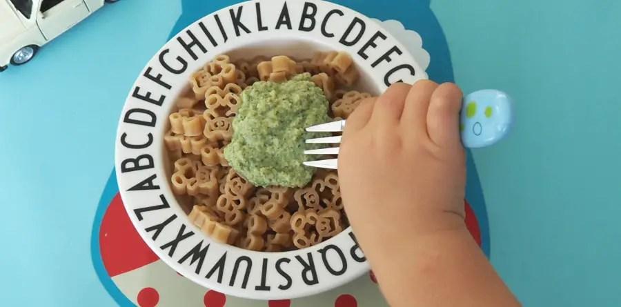 Broccoli-Zucchetti Sauce Kinder rezept familie, schnell, grüne sauce, gemüseverweigerer, gemüsemuffel, kinderpasta, kinderrezept