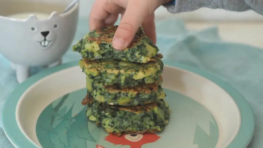spinatpuffer tätschli bratling vegetarisch spinat kinder rezept familie resten schnell einfach tots fingerfood