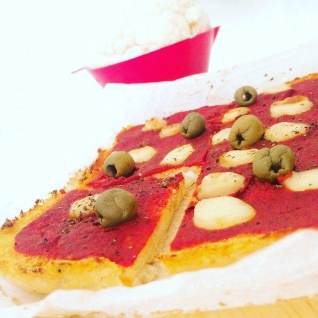 Pizza di cavolfiore con farina di ceci_tagliata