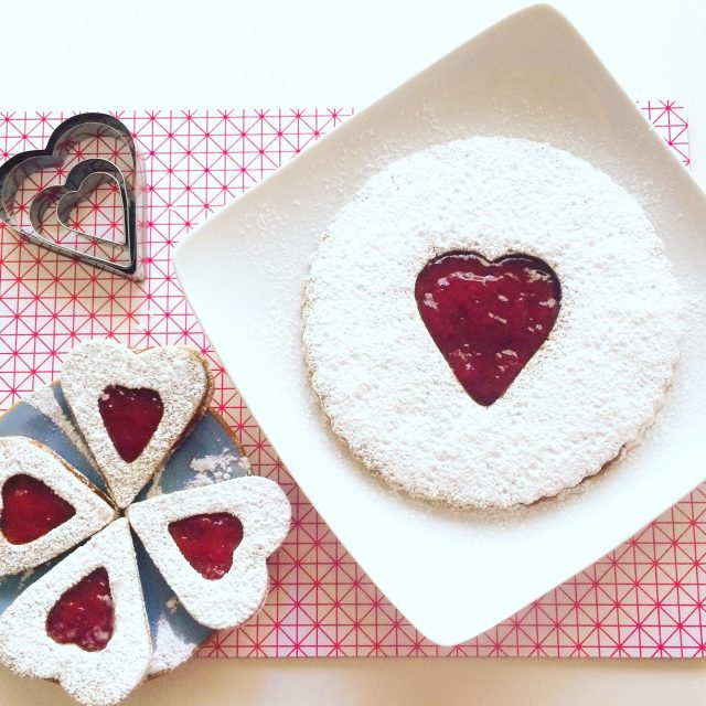 Maxi Linzer cookie e biscotti