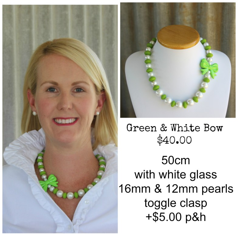 Green & White Bow Necklace