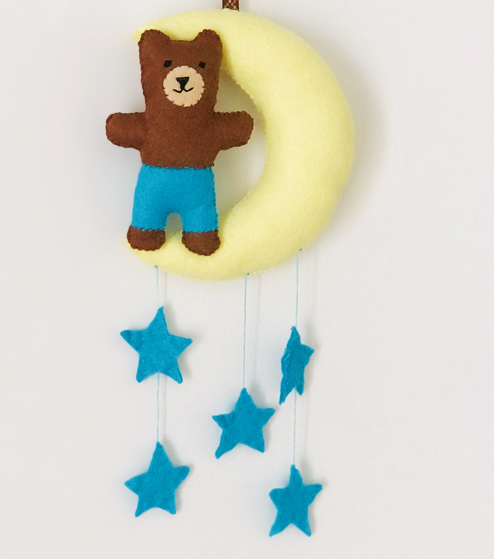 Free pattern: Twilight bear softie with a bedtime story