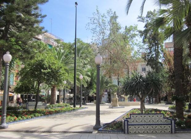 Elche_Plaza_de_La_Glorieta_02