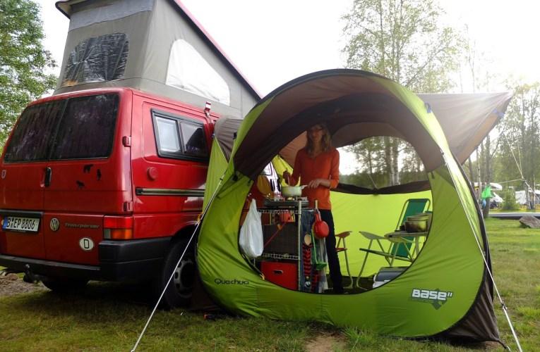 Test: Das QUECHUA- WURFZELT / PAVILLON BASE SECONDS als Vorzelt für den Campingbus
