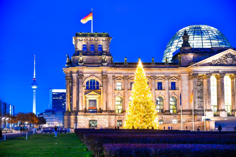 Der Weihnachtsbaum vorm Reichstag