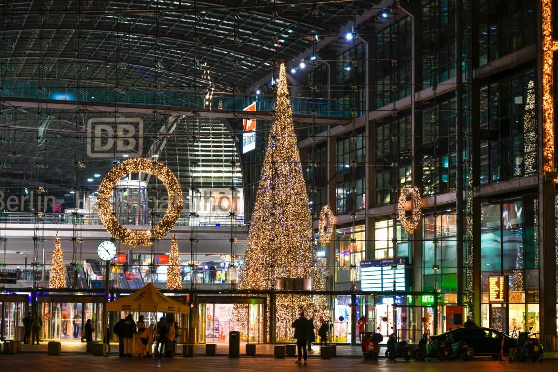 Die Weihnachtstanne am Hauptbahnhof