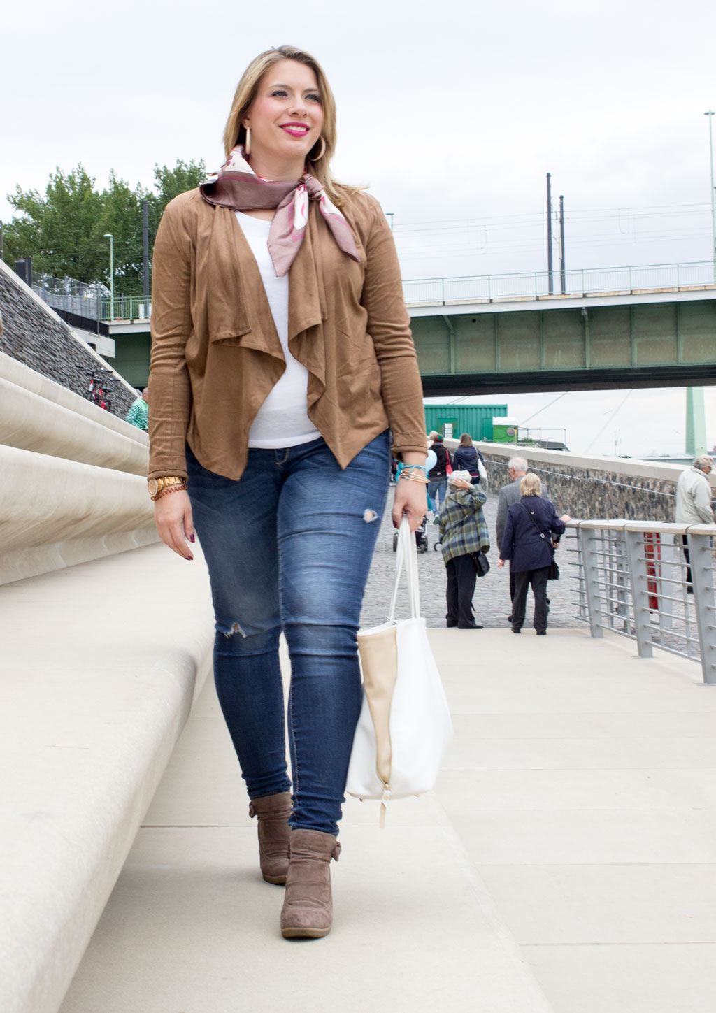 Outfit-Suede-Blazer-1