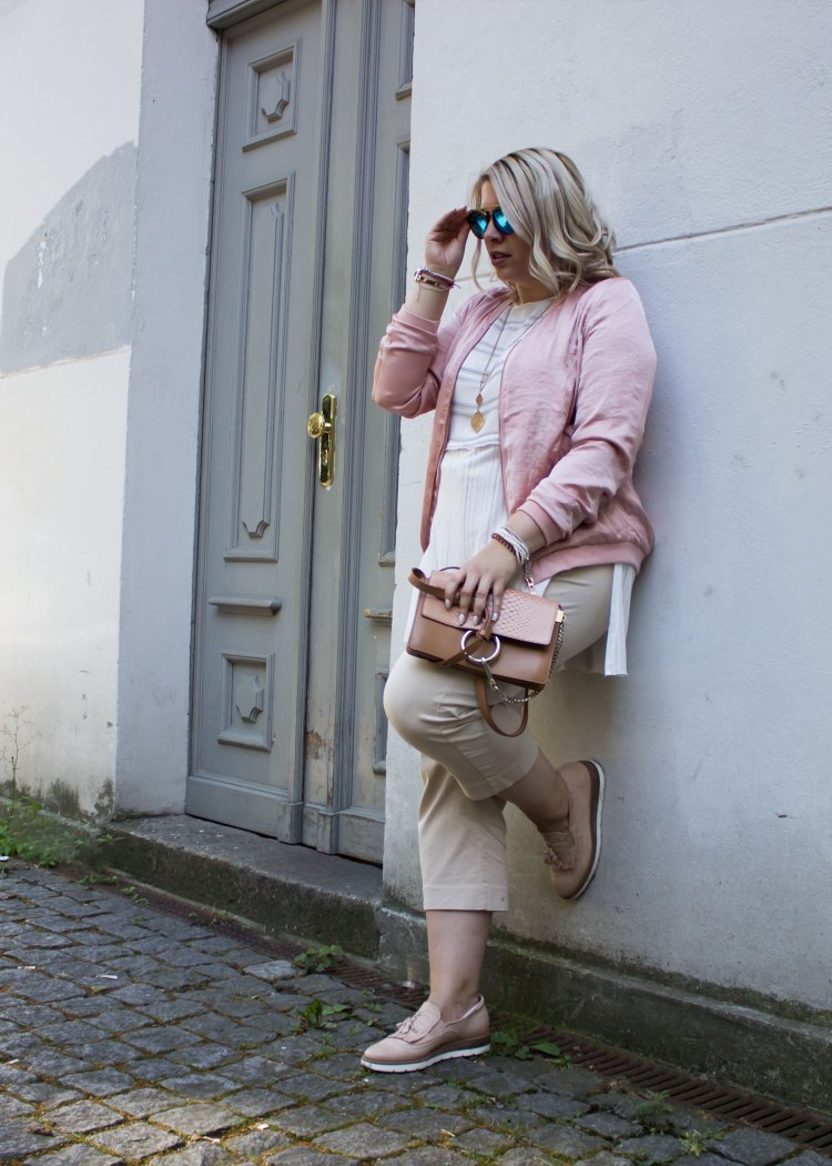missesviolet-fashion-outfit-fashionweek-berline-nude-pink-bomberjacket-and-chloe-bag-3