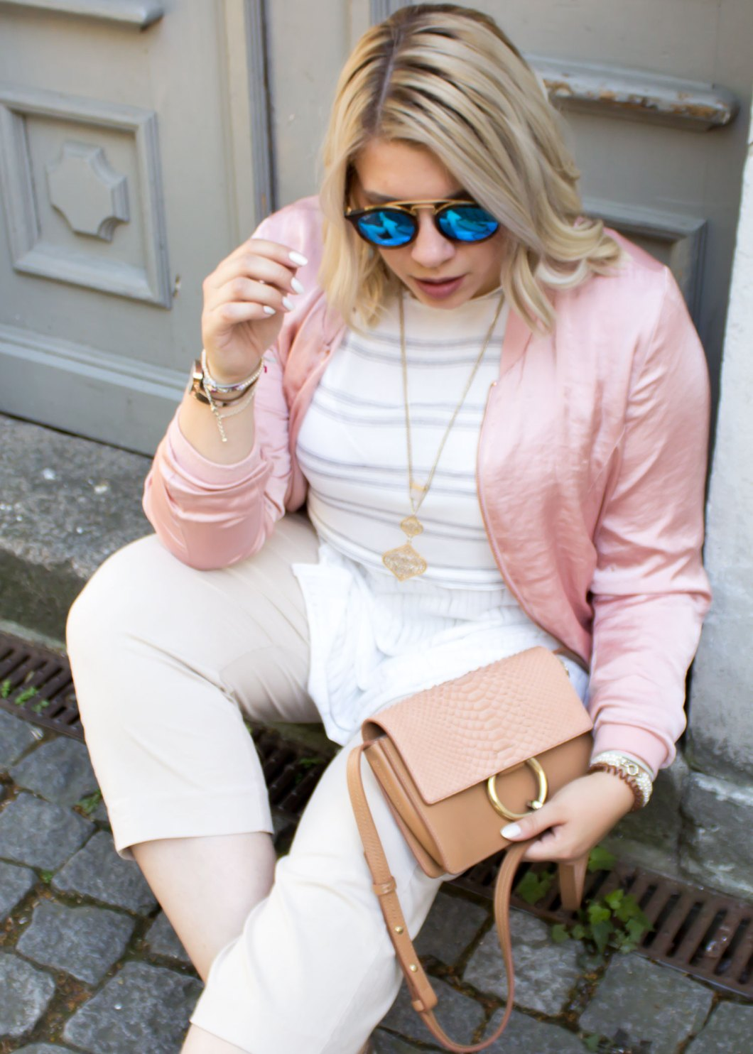 missesviolet-fashion-outfit-fashionweek-berline-nude-pink-bomberjacket-and-chloe-bag-4