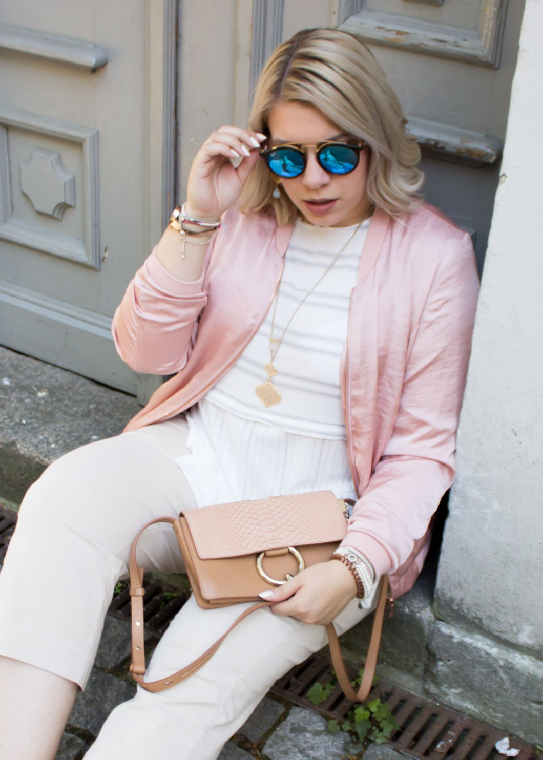 missesviolet-fashion-outfit-fashionweek-berline-nude-pink-bomberjacket-and-chloe-bag-5