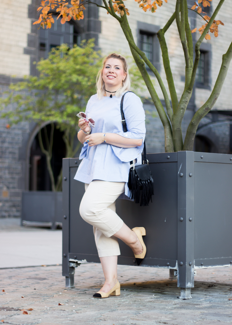 missesviolet-fashion-outfit-fashionkarussell-uebergangslook-mit-culotte-und-bluse-6