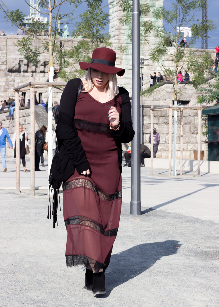 missesviolet-fashion-outfits-fashionkarussell-herbstlook-mit-lacedress-12
