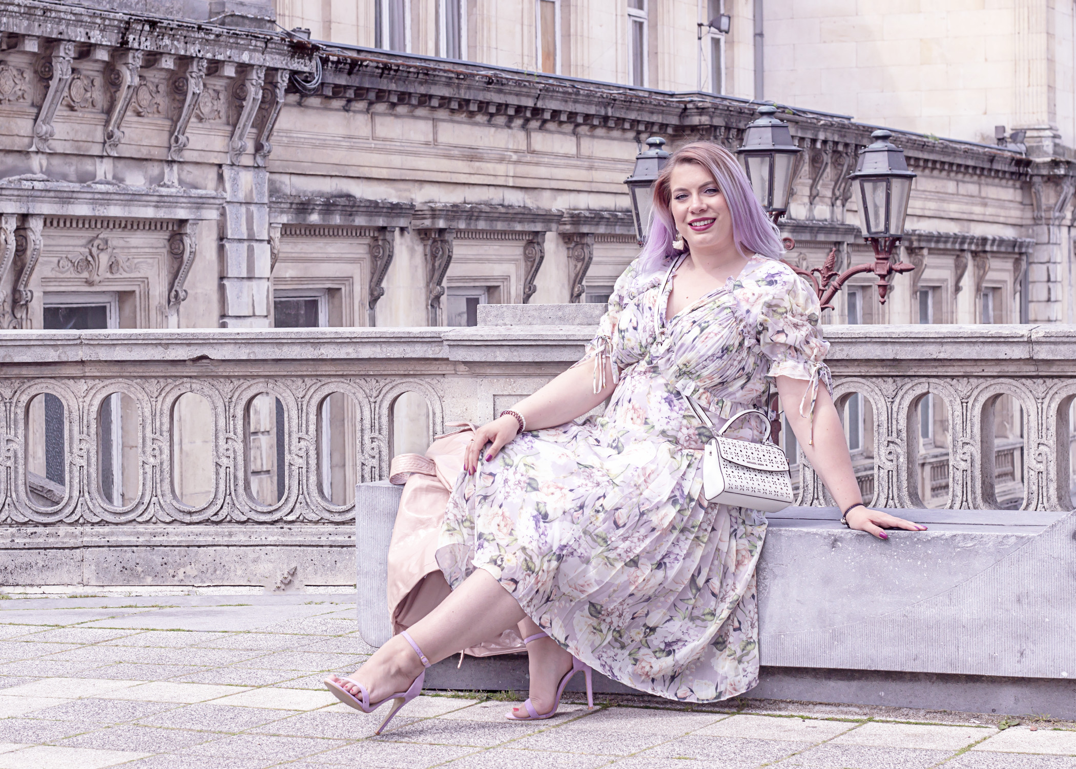 missesviolet-curvy-spring-looks-the-floral-dress-by-elvi-clothing