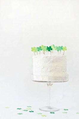 Cáca Milis! That's Irish for yummy cake!