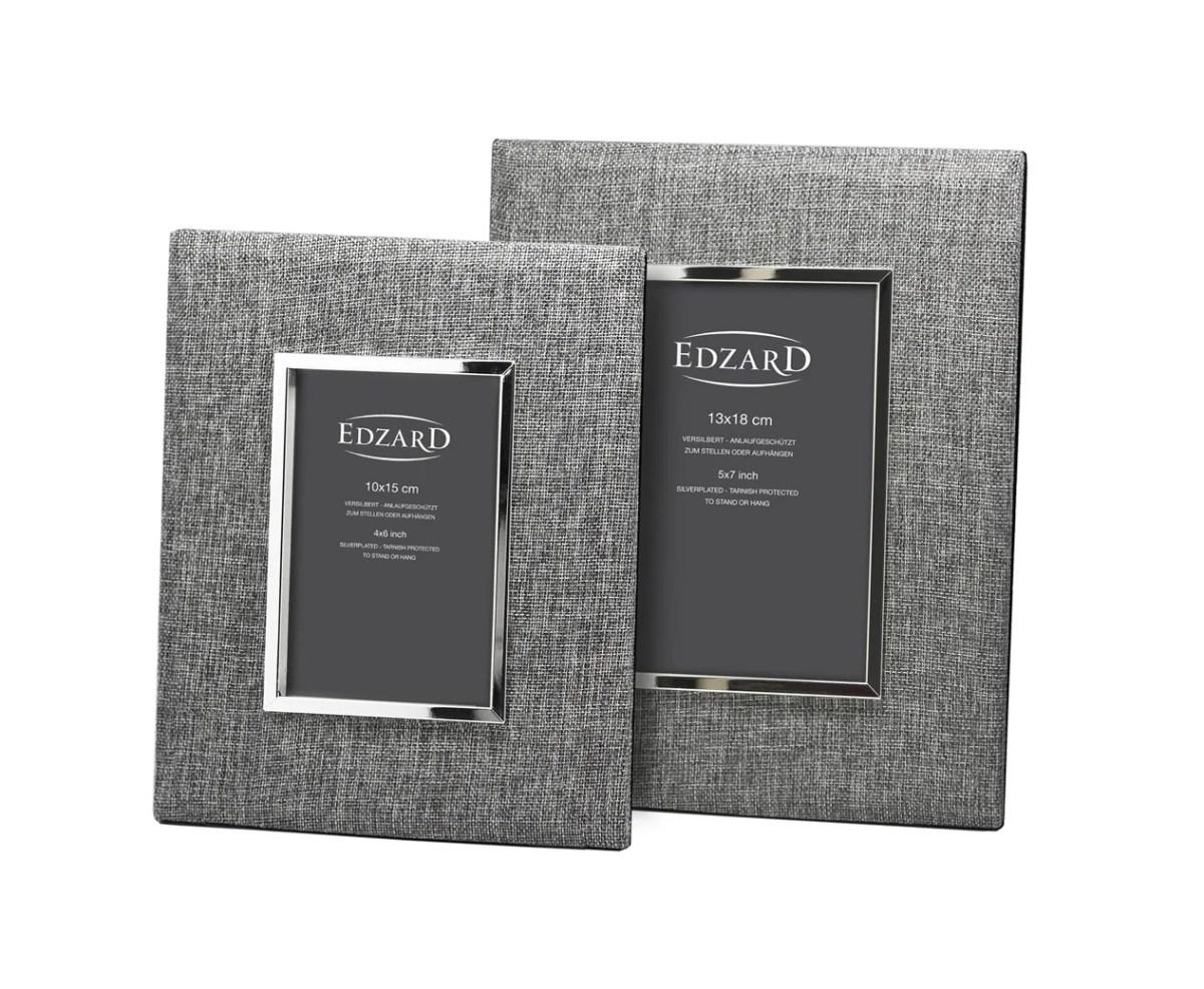 7128 Fotorahmen Elda für Foto 13 x 18 cm, Textil grau, edel versilbert, anlaufgeschützt, mit 2 Aufhä