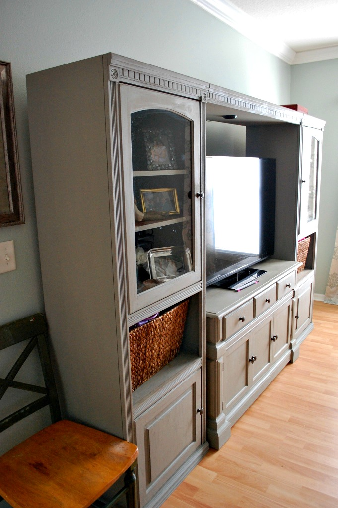 Diy chalk paint entertainment center makeover miss frugal fancy pants affordable diy entertainment center makeover with annie sloan chalk paint in french linen missfrugalfancypants solutioingenieria Gallery