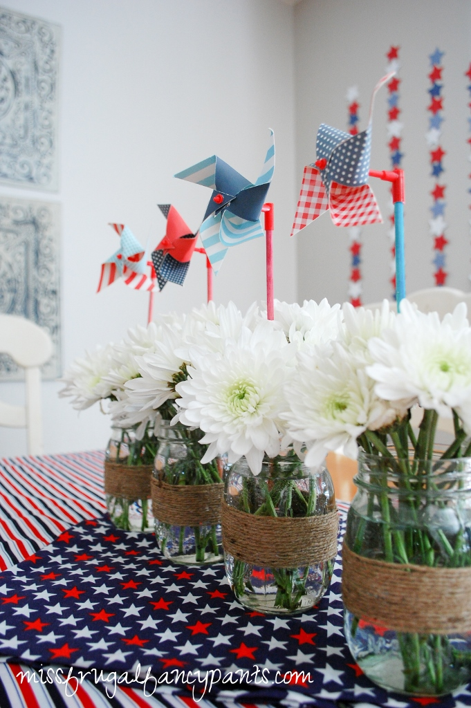 4th of July Patriotic Centerpiece | missfrugalfancypants.com