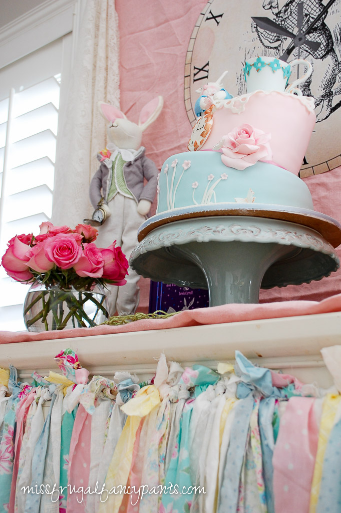 Vintage Shabby Chic Mad Hatter Tea Party | missfrugalfancypants.com