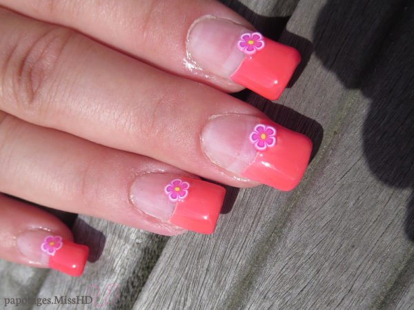 Nail art french manucure fluo