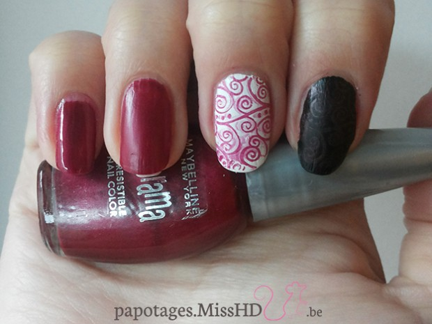 Colorama Irresistible nail color (rouge) de Maybelline: top coat brillant - top coat mat - stamping sur fond blanc - stamping sur fond noir