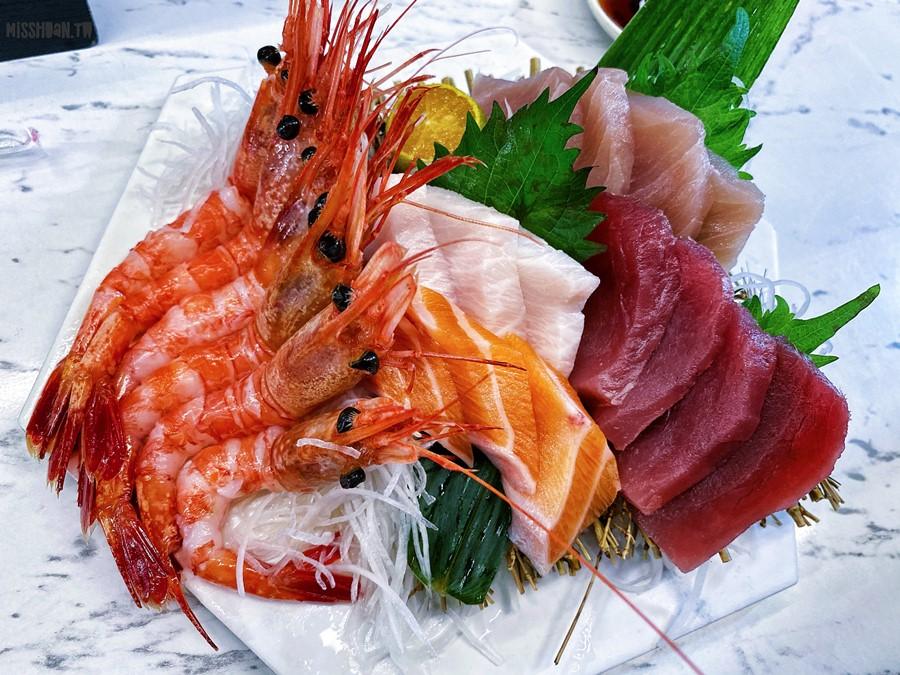 屏東東港美食【浤騰生魚片】東港華僑魚市場日式料理專賣!新鮮漁貨平價就能吃到!