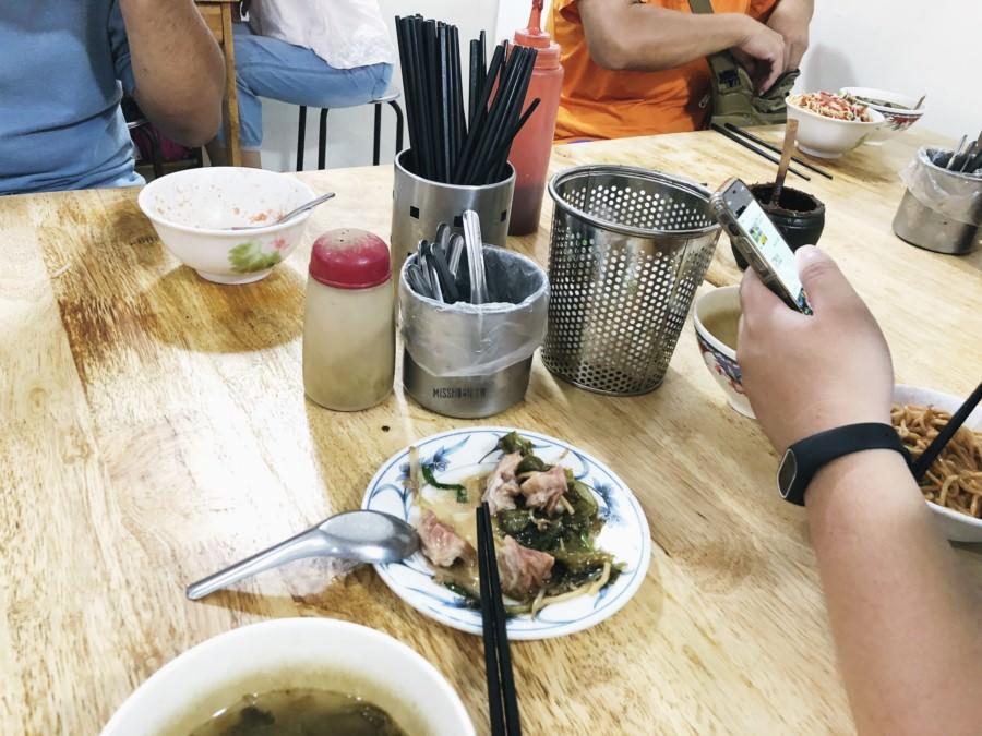 台中西區美食【乾麵酸菜湯老店】在地人超激推在地必吃早餐!通通只要銅板價就能好滿足!