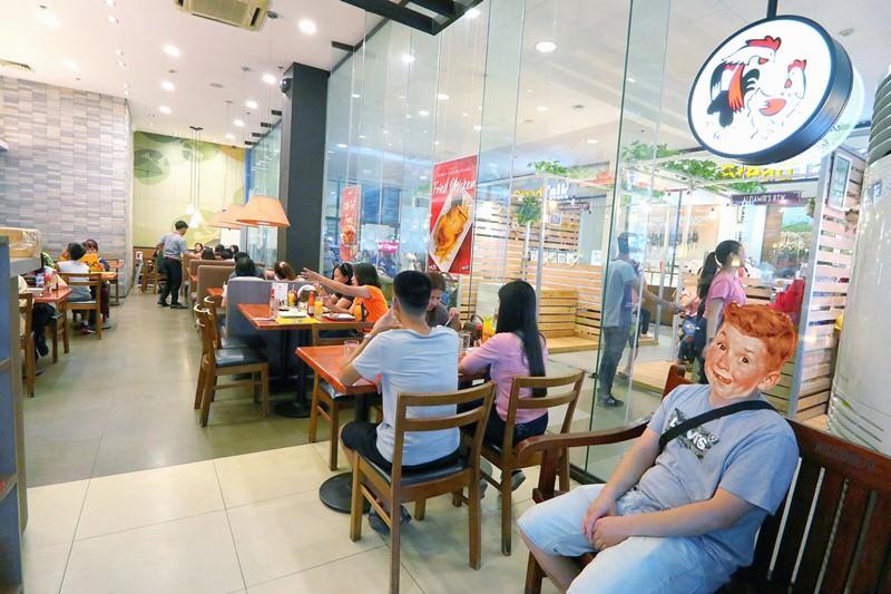 菲律賓美食 Max's HARBOR POINT 蘇比克灣 Harbor Point Mall 大型連鎖餐廳 聚餐聚會 生日慶生