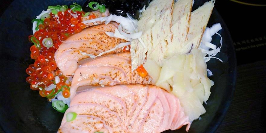 台中大里美食【築也日本料理/益民二店】平價日式料理餐廳.座位數超多.聚餐聚會好適合.熱炒也有喔!現點現做!