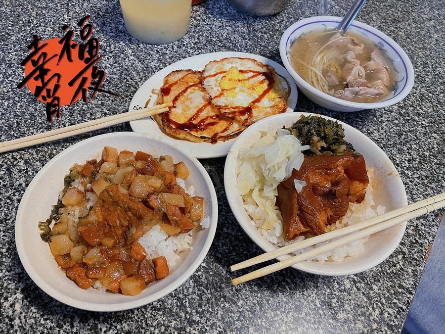 台中東區美食【無名小吃攤】十甲旺市場銅板價小吃!爌肉/滷肉/豬腳/大麵羹通通吃的到!