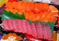 台中南屯美食【丸吉鮮魚行】台中魚市場平價生魚片!只要100元就好澎湃!客制化綜合組盒超豪華!
