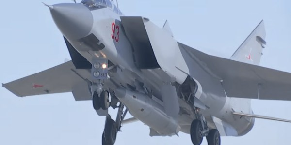 Ten Russian MIG-31 Fighters Fitted with Kinzhal Missiles