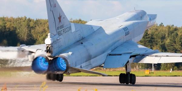 Russia Eyes Strategic Bomber for Kinzhal Testing