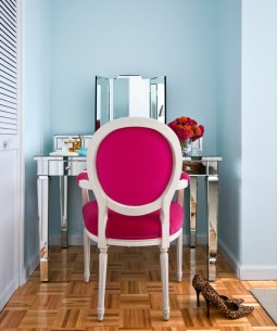 blue-pink-chair-contemporary-bedroom