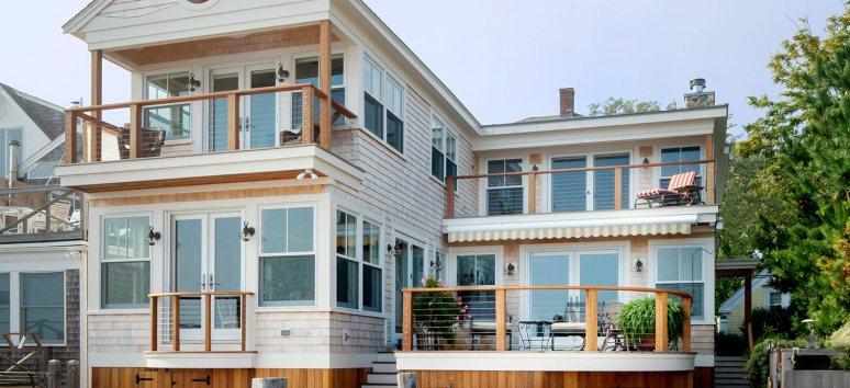 Современный дом, имитирующий стиль Cape Cod. Источник capeassociates.com