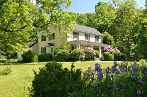 Американский фермерский дом в стиле Farmhouse. Построен в 1870 году в Вирджинии. Источник http://www.oldhouses.com
