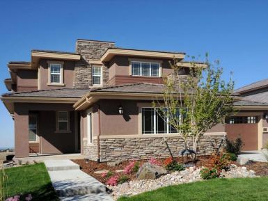 Обычный дом на одну семью, который копирует стиль Прерий только в декоративных элементах, но не в планировке. Источник www.architecturaldesigns.com