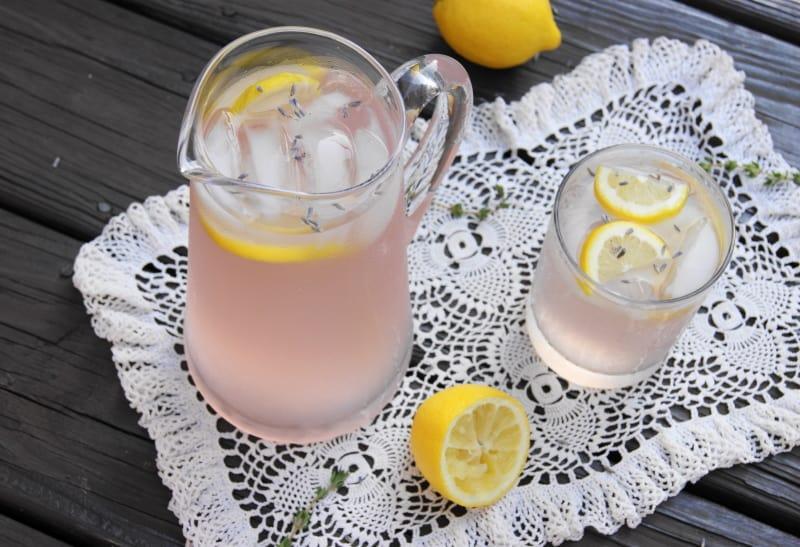 Comment faire de la limonade à la lavande pour se libérer des maux de tête et de l'anxiété : santé et bonheur