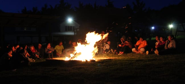 Bonfire to launch small groups with the teenagers at the orphanage Fundaninos