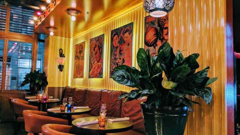 Destination Indes. Rue Mc Gill Montréal avec le 409 un chic gastro-pub indien
