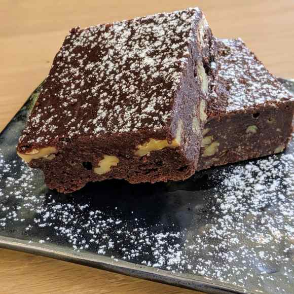La bête à pain du chef Marc-André Royal à Laval propose des brownies et autres desserts.
