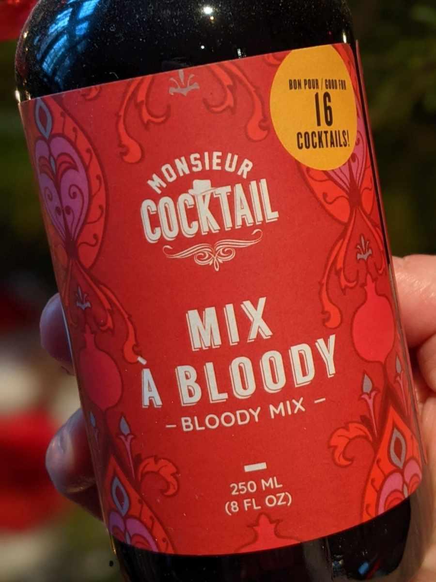 mix à bloody Monsieur Cocktail