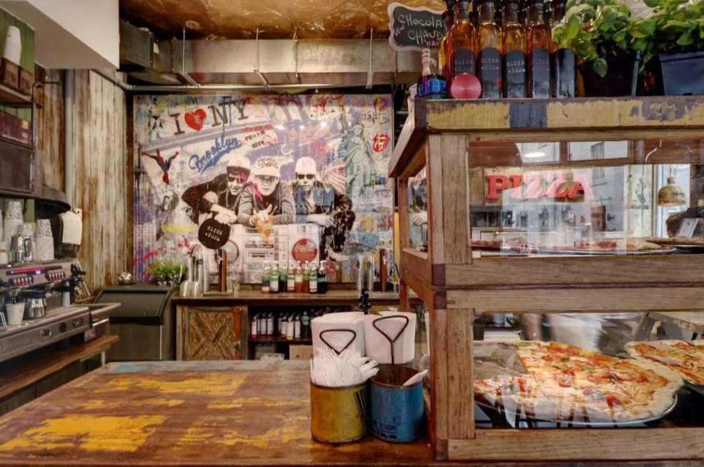slice soda décor et tranches de pizza au comptoir