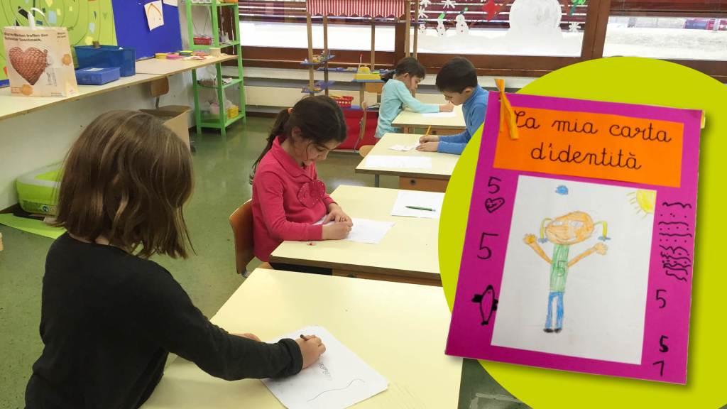 Bambini a scuola che lavorano con la matematica